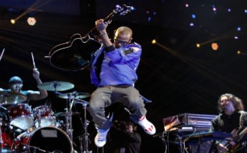 "Atlanta's B.o.B. Flying High Atop ""Strange Clouds"""