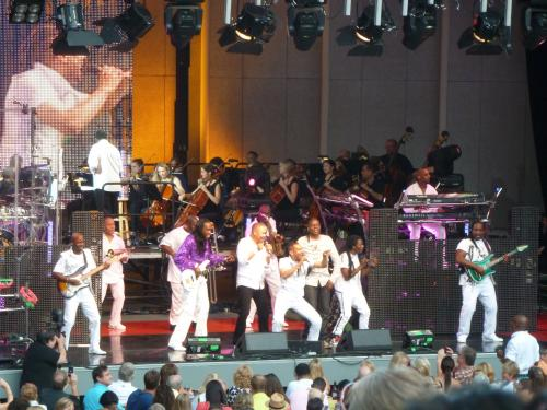 Earth, Wind and Fire Turn It Up At Chastain