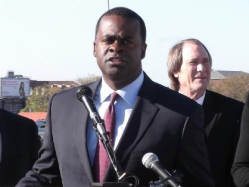 Mayor Reed Delivers Recycling Carts