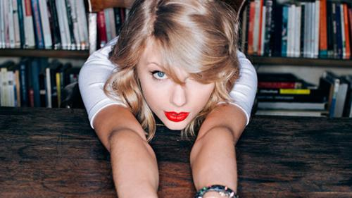 Taylor Swift To Perform On CBS Thanksgiving Day Parade Broadcast