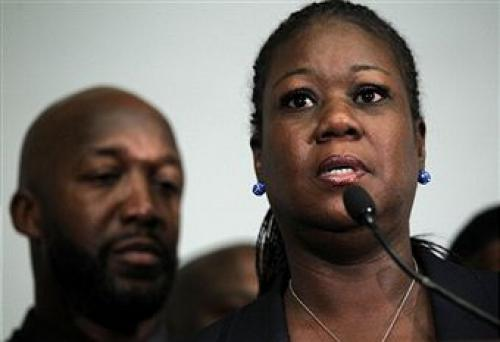 "Trayvon Martin's Mother Says The Shooting ""Was An Accident"""